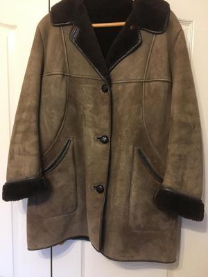 Classic Ladies Sheepskin Coat