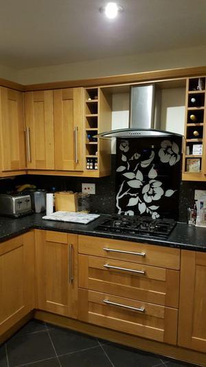 Full Oak style kitchen with Appliances