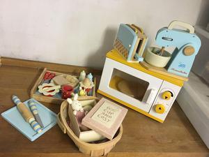 Honeybake wooden kitchen accessories