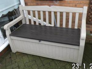 KETER GARDEN BENCH AND STORE