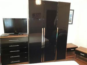 Four piece bedroom set in Warrington
