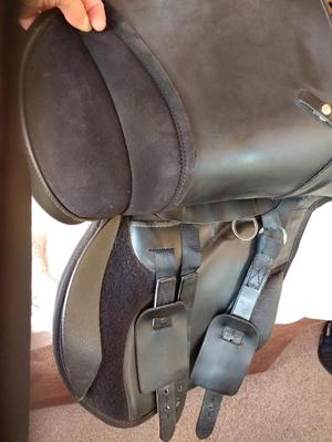 Thorowgood t4 adjustable gullet saddle