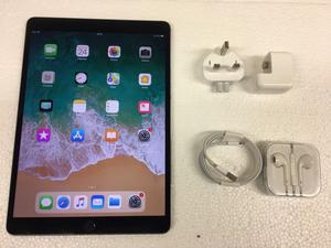 Apple iPad Pro 2nd Generation 256GB, Wi-Fi, 10.5in - Space