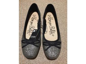 Girls brand new sparkly black / silver party shoes size 3 in