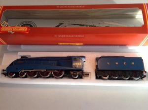 Hornby LNER Seagull  Blue Loco Class A4 R372 Steam