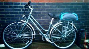 Ladies Hybrid lightweight town bike GIANT