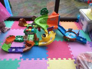 Toot toot safari track with extension track