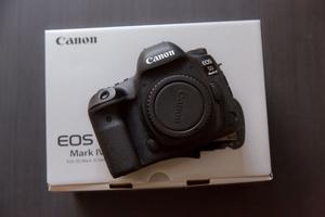 Canon 5DMKIV - 5DMK4 - Like new, only used for one job