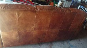 Leather settee. VGC. buyer to pick up.