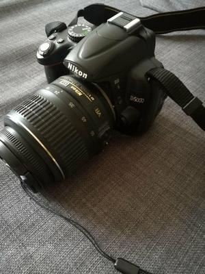 Nikon D DSLR Camera with mm VR Lens