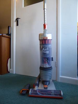 Vacuum cleaner Vax Air 3 upright U88-AM-B 3 years old