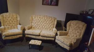3 piece suite 2 seater settee & 2 chairs