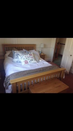 DOUBLE BED FRAME-OAK