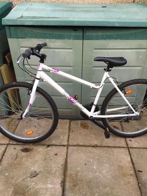 Btwin womens mountain bike