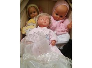 Hi I have for sale a different large and small dolls from