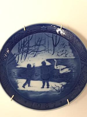 Royal Copenhagen  Christmas year plate