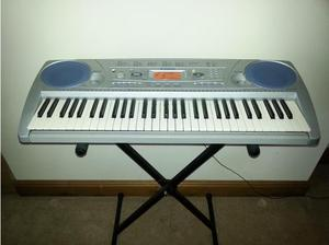 Yamaha PSR 275 Electronic Keyboard With Stand in Swansea