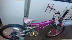 Girls childs bike. Full suspension. 5 Gears. 20 inch wheel