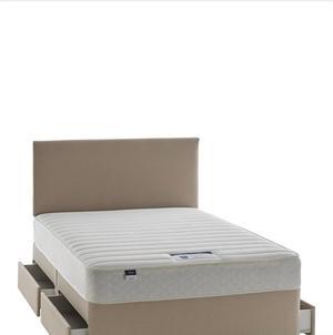Double divan bed posot class for Double divan with mattress