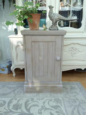 Small upcycld cabinet