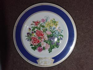 Royal Wedding Bouquet Plate