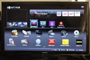 "SMART 32"" SAMSUNG UE32D FULL HD LED SMART TV WITH BUILT IN FREE VIEW IN GREAT CONDITION."