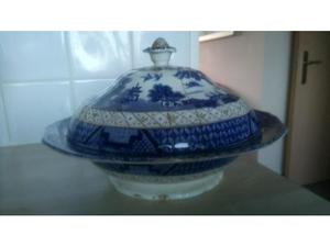 Antique willow pattern big collection bowls plates jugs in