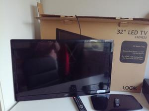 """LOGIK 32"""" LED TV with Freeview (Including Box)"""