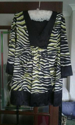 Ladies Loose Top with self belt Size 22