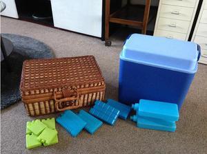 Picnic basket and large cooler box set in Wolverhampton