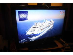 T.V 32inch Bush As New. 220v 60hz LCD Screen Large 32inch