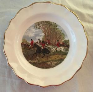 Two Royal Sutherland Fine Bone China Hunting Scenes / Pin Dishes / Decretive Plates.
