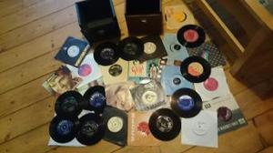 7inch vinyl singles with cases