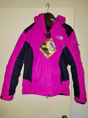 Brand new ladies XS North Face Shell & Inner Ski Jacket - never worn