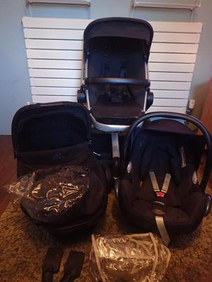 Quinny Buzz Travel System in Rocking Black
