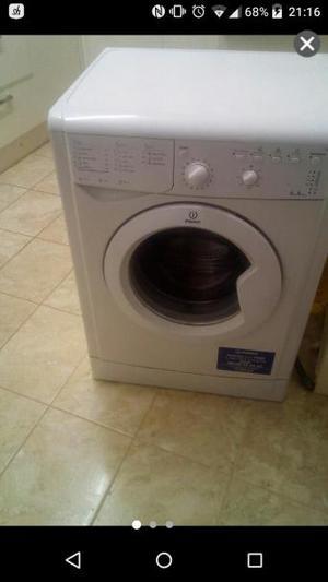 indesit washing 6kg , machine lovely condition