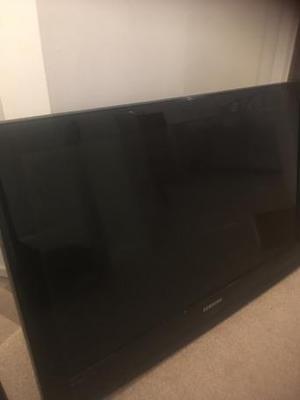 32 inch Samsung tv with wall bracket
