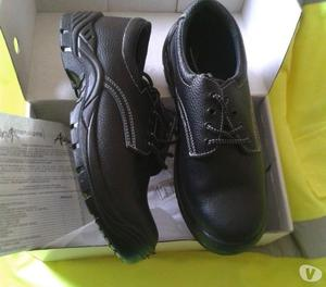 Brogue Work safety shoes. New. Boxed. Steel toe caps. Size 8