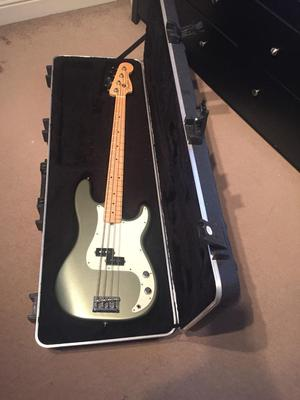 Fender Precision Bass - made in USA