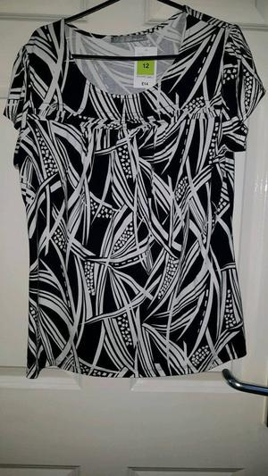 M&s ladies top brand new with tag