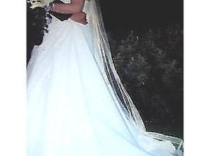 Omanda wedding dress and veil in Harwich