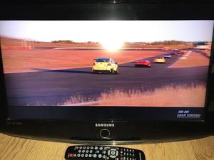 """26"""" Samsung hd tv with freeview has remote has hd ports and usb port comes with wall bracket"""