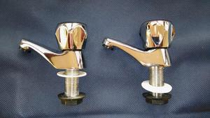 Pair of used basin taps