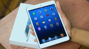 Like new use condition Apple iPad mini 1 16gb Wi-Fi 7.9in boxed +iPad 64gb unlocked wifi 9.7in boxed