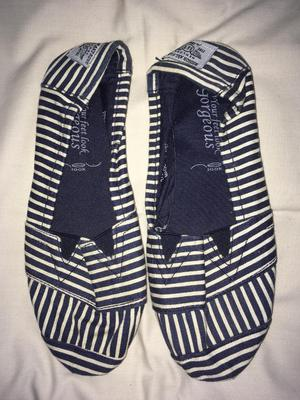 Slip on shoes £3