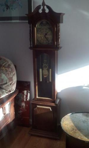 Lincoln Grandmother clock.