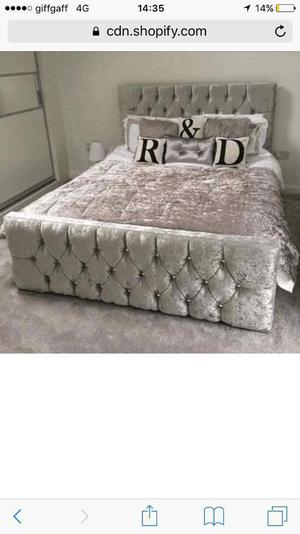 Brand new crushed velvet bed silver double £160