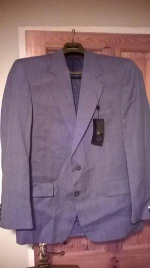 Light grey mens suit - 40in chest, 34in trousers