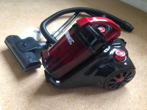 Vacuum Cleaner - bag less & like new just £30 ono