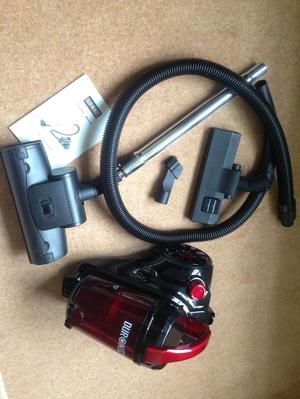Vacuum Cleaner, like new & now only £30 ono